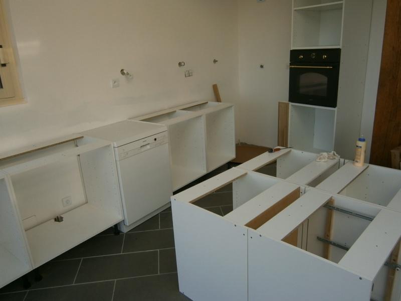 Montage d'une cuisine avec façades en chêne Pa290511