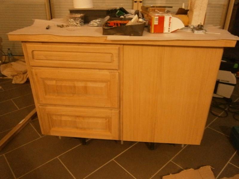 Montage d'une cuisine avec façades en chêne Pb120511
