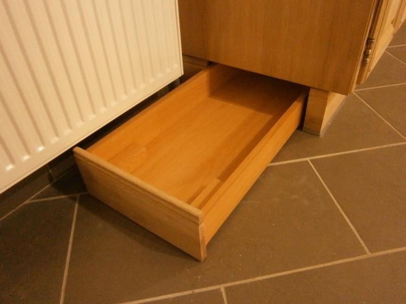 Un tiroir à chaussures bien discret Pb160511