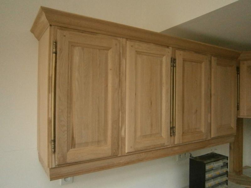 Montage d'une cuisine avec façades en chêne Pb170510