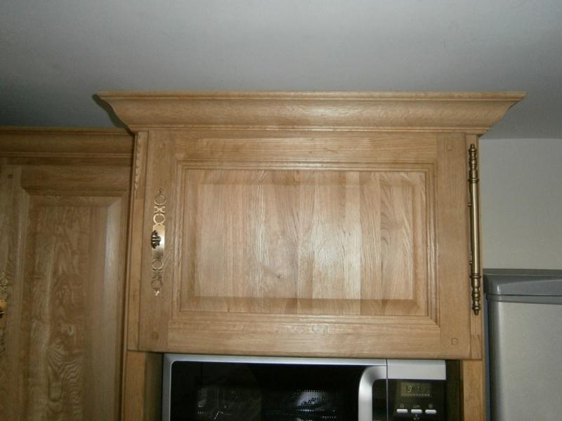 Montage d'une cuisine avec façades en chêne Pc030612