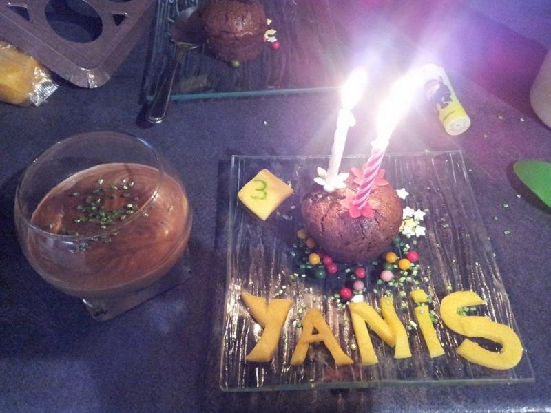 Mousses au chocolat - Page 8 Yanis_12