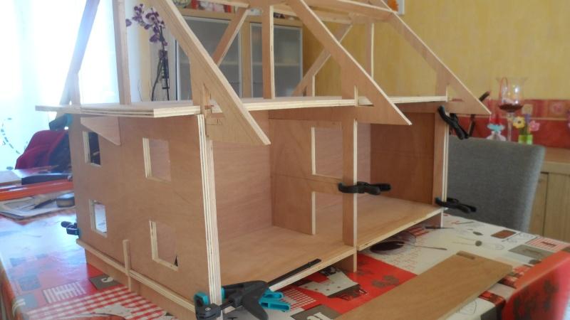 construction d'une maison de poupée Sam_0213