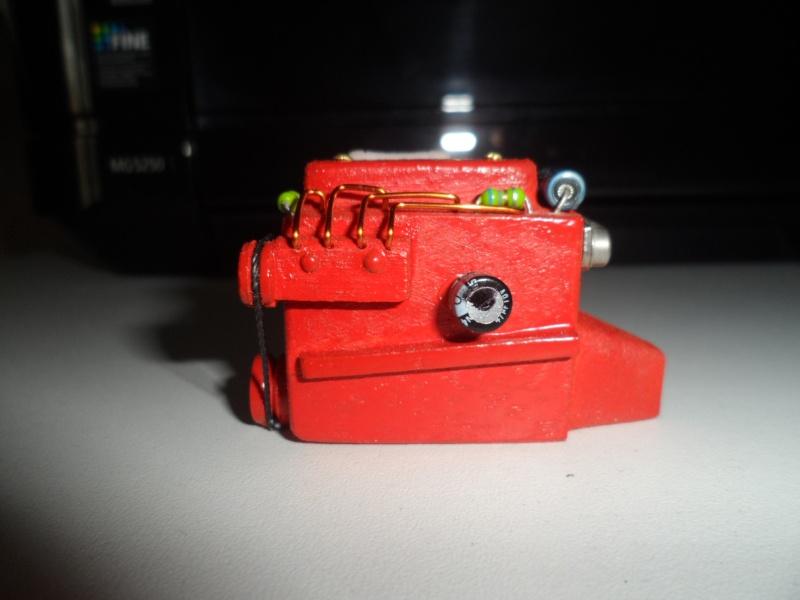 moteur factice en resine ou autre materiau Sam_6211