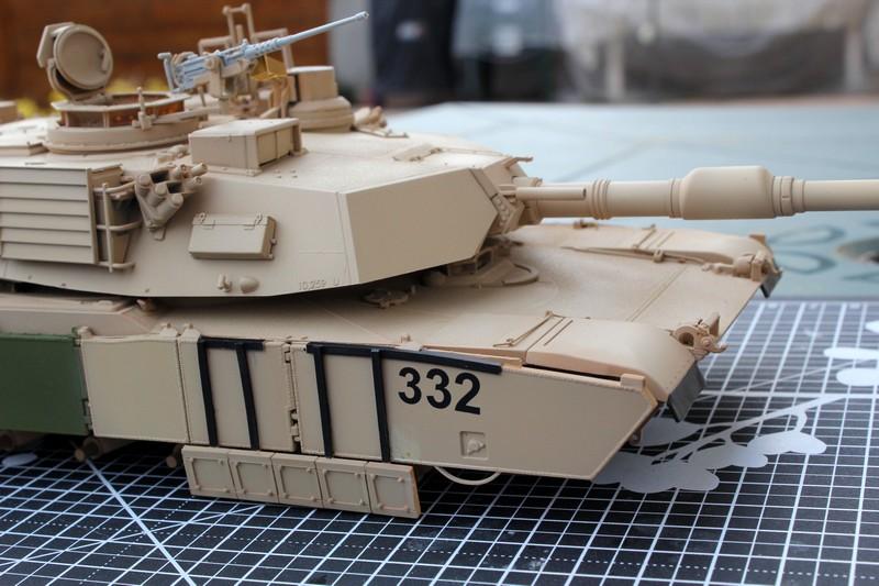 M1A2 SEP Dragon 1/35 et ses jupes... Img_6612