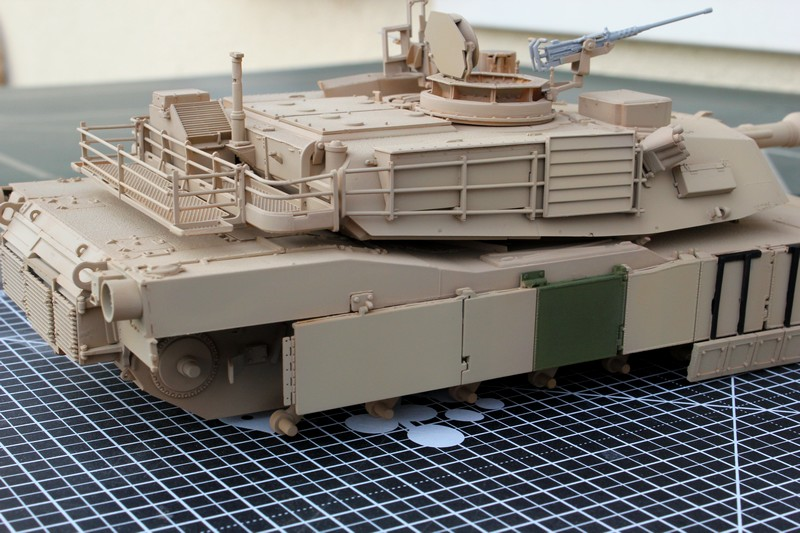 M1A2 SEP Dragon 1/35 et ses jupes... Img_6613