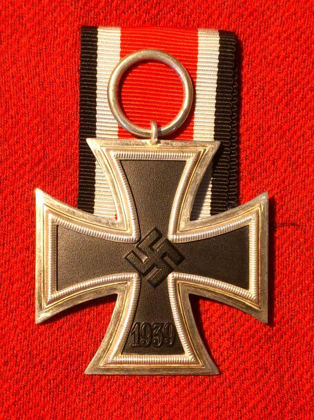 Ek2 et badge des blessés noir Dsc_1015