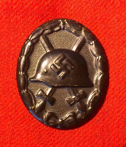 Ek2 et badge des blessés noir Dsc_1016