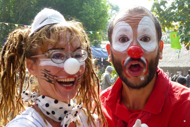 Photos du jour - Page 36 Clowns14