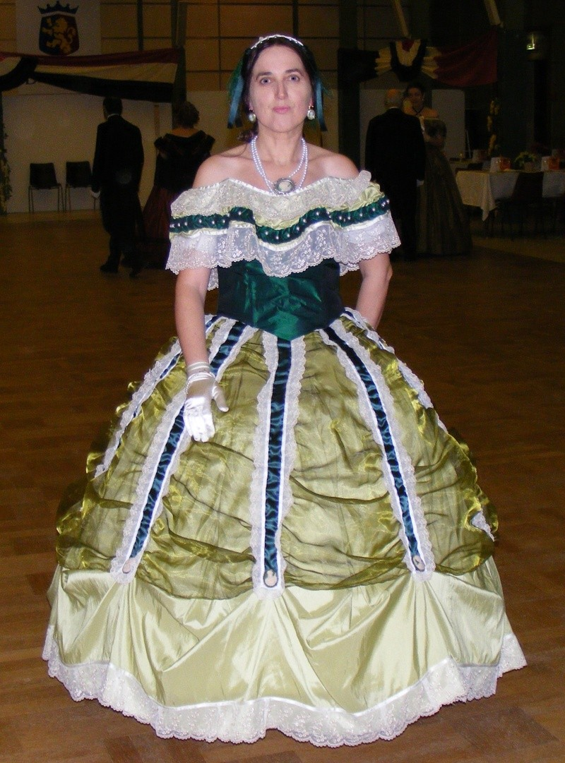 [Histo] Robe de Bal verte Dscf1410