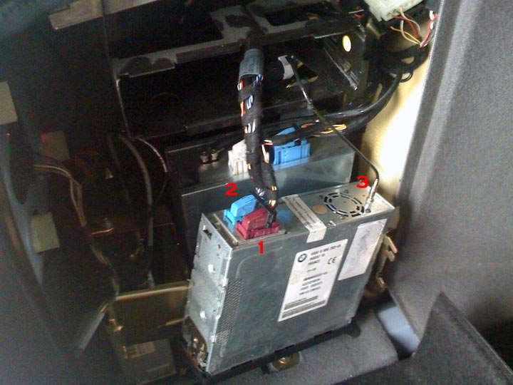 instal du gps dans e38 aide SVP ! Antenn10