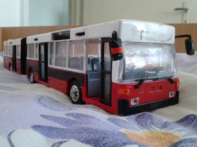 Machetă autobuz articulat reparată 2012-010