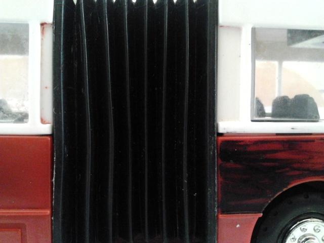 Machetă autobuz articulat reparată 2012-011