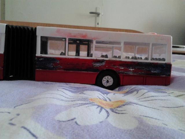Machetă autobuz articulat reparată 2012-015