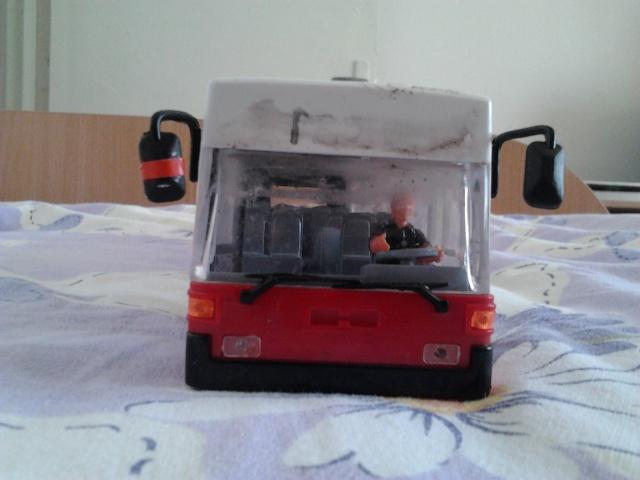 Machetă autobuz articulat reparată 2012-017