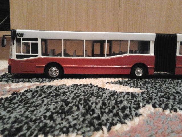 Machetă autobuz articulat reparată 2013-214