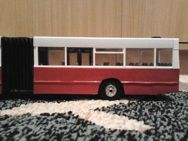 Machetă autobuz articulat reparată 2013-215