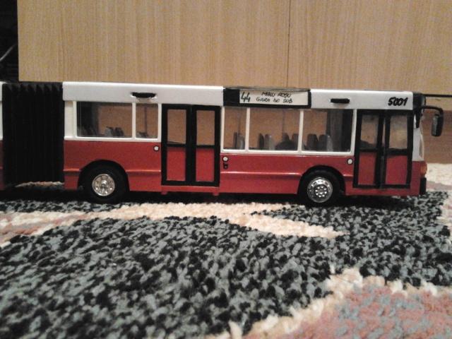 Machetă autobuz articulat reparată 2013-218