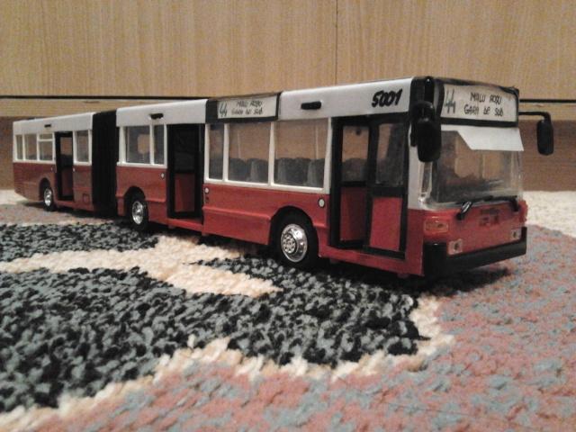 Machetă autobuz articulat reparată 2013-219