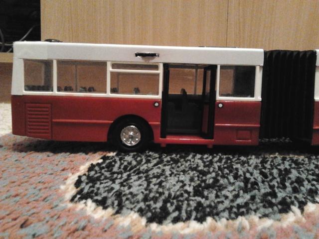 Machetă autobuz articulat reparată 2013-220