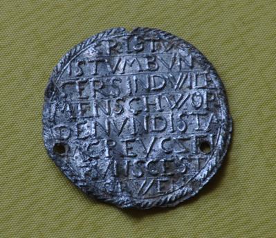 Médaille avec Christ et phrases au revers - Allemande - XVIIème Dsc_0023