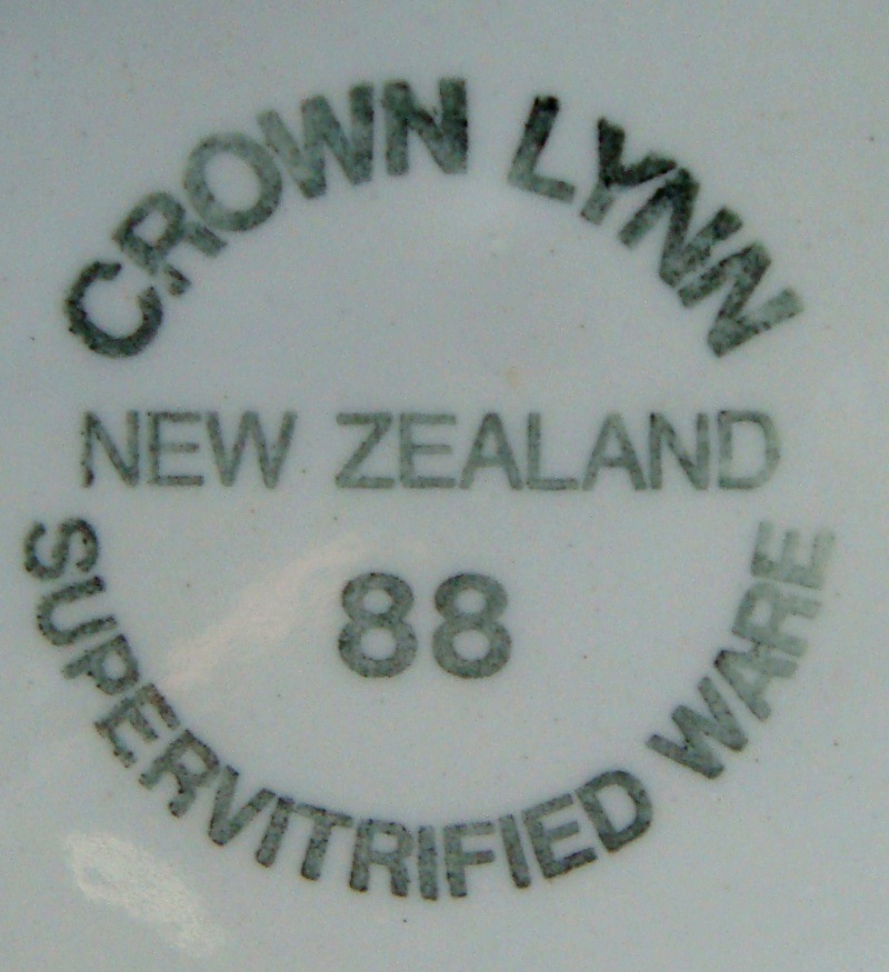 plate - CL Plate Royal New Zealand Air Force Dsc00321