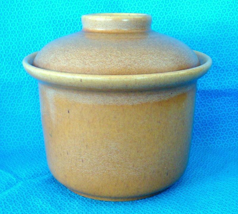 What shape is this odd Cook & Serve pot & lid please? Dsc00819