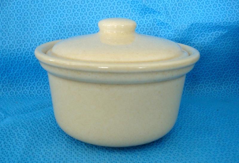 5641 Sugar bowl and Lid - is an Ansett Casserole Dsc08515