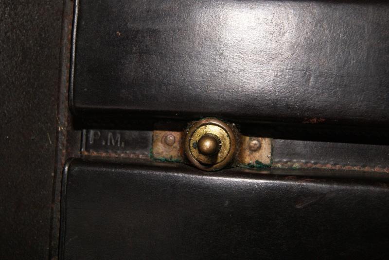 Porte-chargeurs cuir M1911 Dsc06116