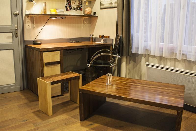 [Fabrication] Table de salon en Robinier étuvé - Page 3 Dernia10