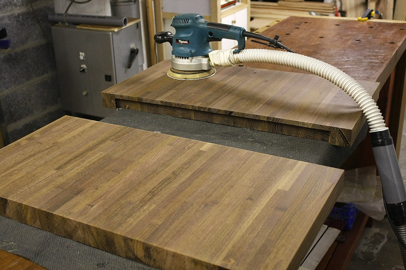 [Fabrication] Table de salon en Robinier étuvé Makita10