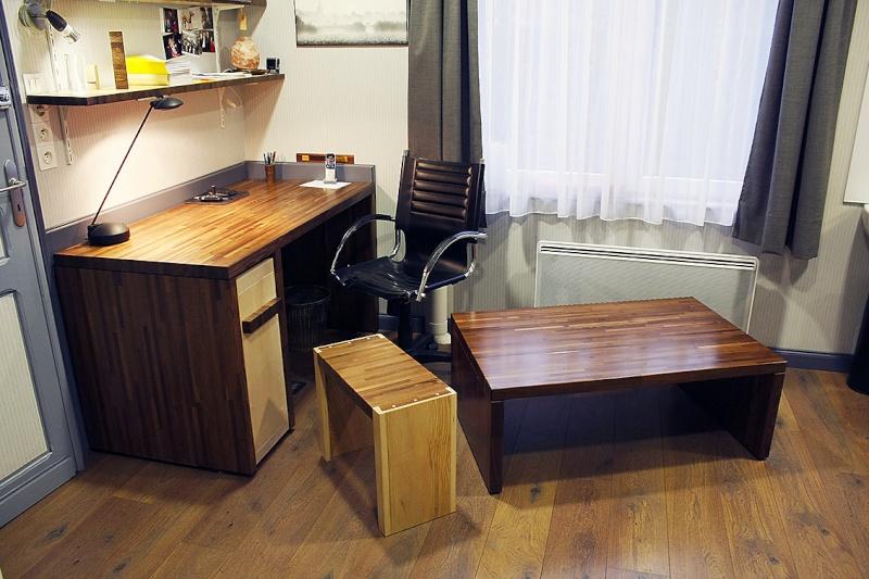 [Fabrication] Table de salon en Robinier étuvé - Page 3 Trois-11