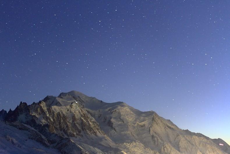 Photos de nuit dans la vallée - Page 3 Mb10