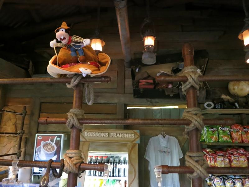 Descriptif des boutiques du Parc Disneyland (en construction) Img_1720