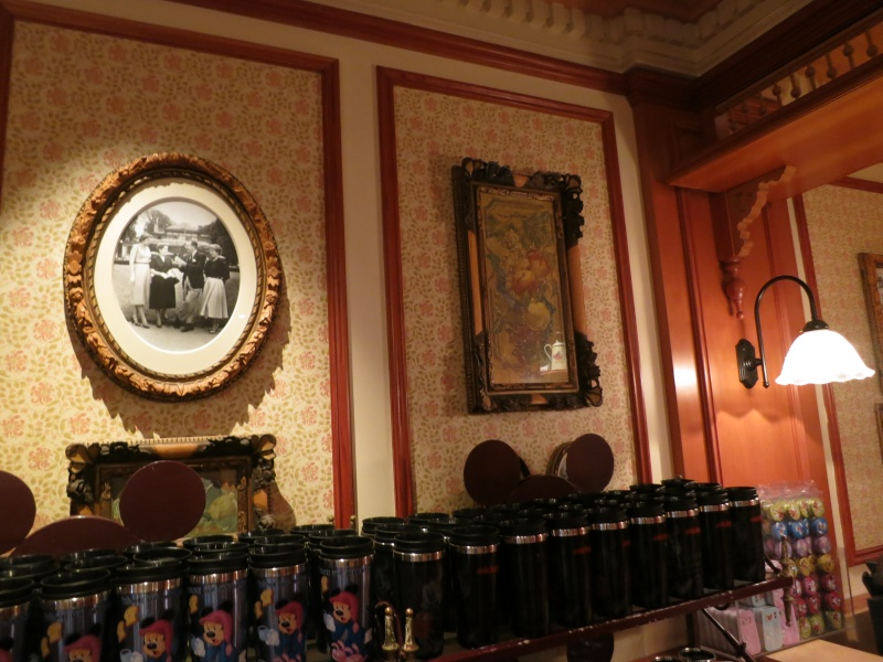 Descriptif des boutiques du Parc Disneyland (en construction) Img_1910