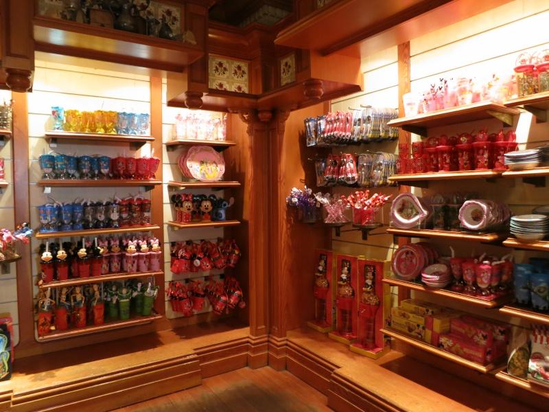 Descriptif des boutiques du Parc Disneyland (en construction) Img_1911