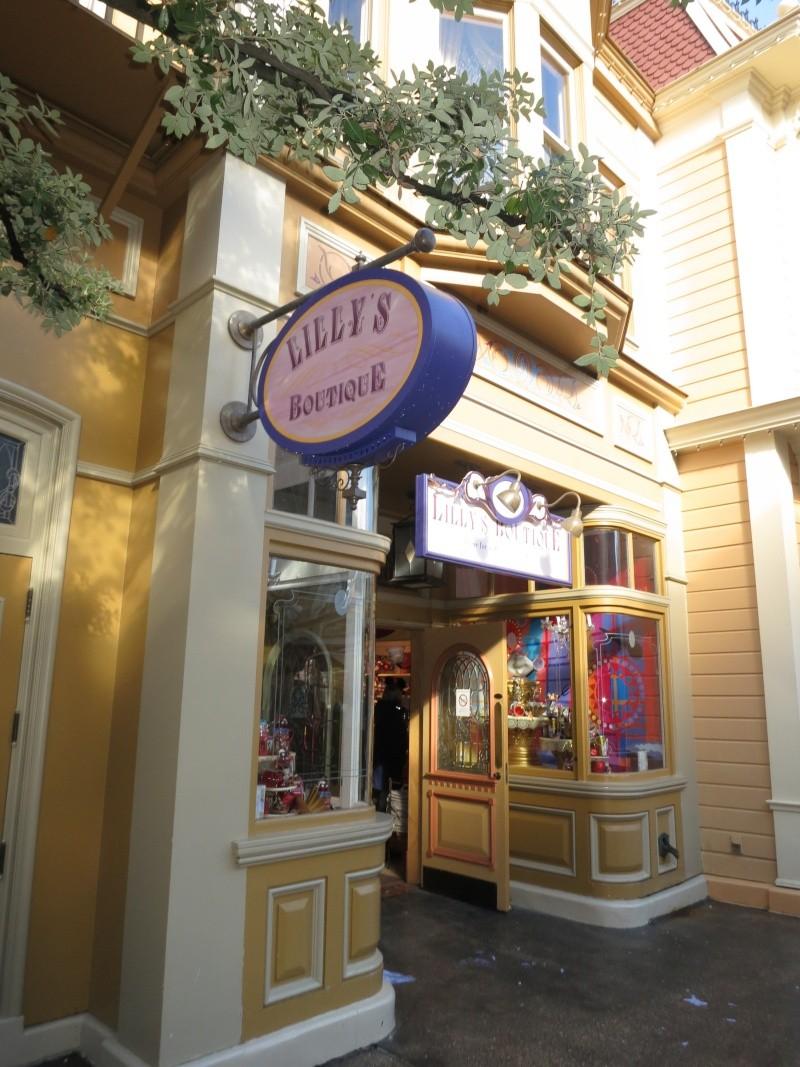 Descriptif des boutiques du Parc Disneyland (en construction) Img_1917
