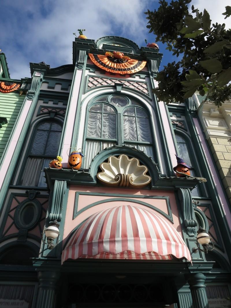 Descriptif des boutiques du Parc Disneyland (en construction) Img_1922