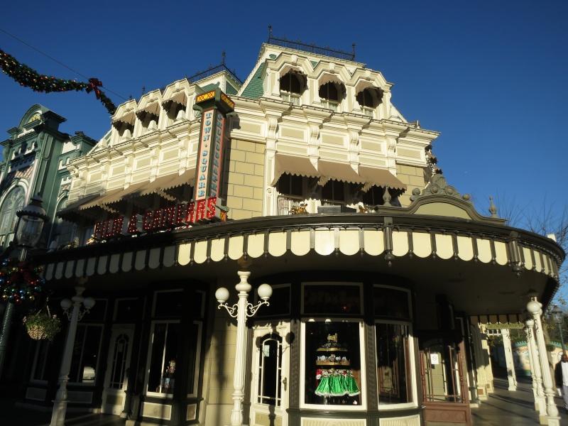 Descriptif des boutiques du Parc Disneyland (en construction) Img_4410