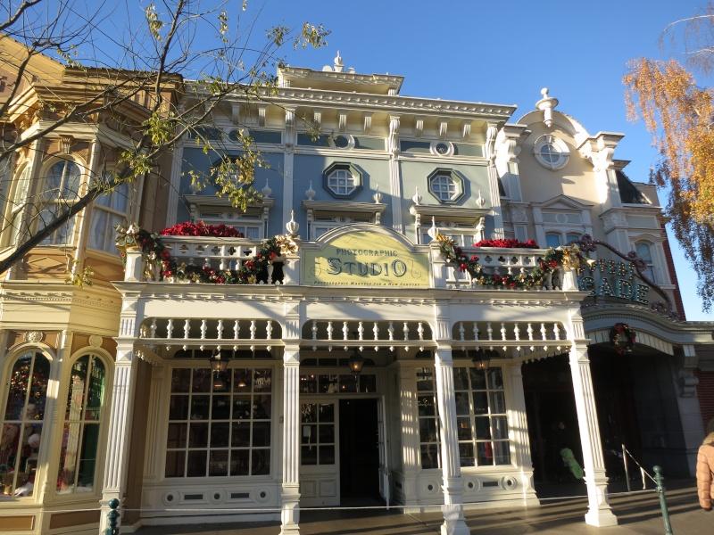 Descriptif des boutiques du Parc Disneyland (en construction) Img_4511