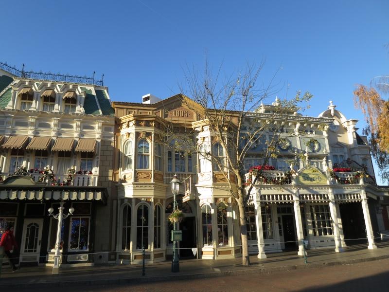 Descriptif des boutiques du Parc Disneyland (en construction) Img_4513