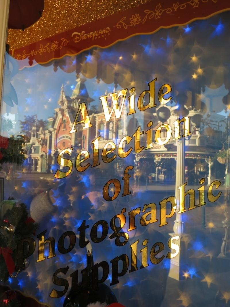 Descriptif des boutiques du Parc Disneyland (en construction) Img_4515
