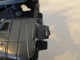 Astuces pour réparer vos Jouets Transformers - Page 3 Dsc07610