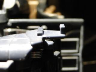 Astuces pour réparer vos Jouets Transformers - Page 4 Dsc07613