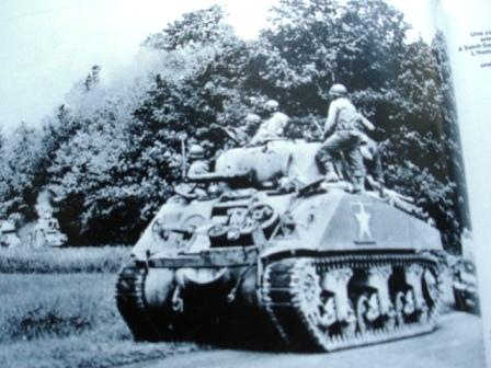 [Heller/Airfix] projet M4 Sherman Après Cobra 1/76 Dsc03912