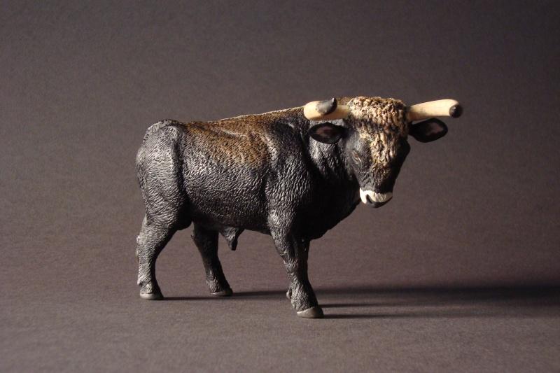 Modeling an auroch bull - Page 2 Dsc04011