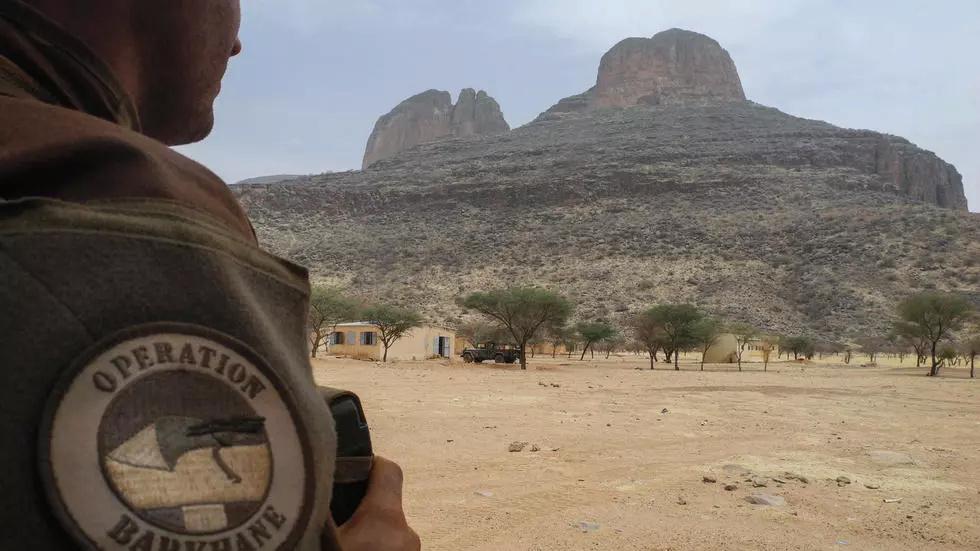le Sahel zone de non-droit - Page 35 000_1f10