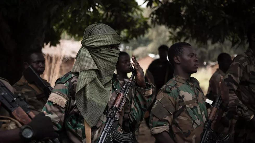 Intervention militaire en Centrafrique - Opération Sangaris - Page 6 000_8y10