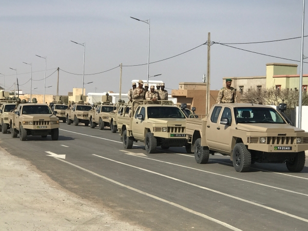 Armée Mauritanienne - Page 12 00b1811