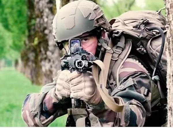 Armée Française / French Armed Forces 00b324